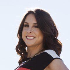 Deanna deBara's Bio Image