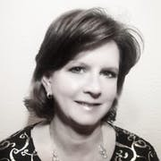 Jacqueline Havelka's Bio Image
