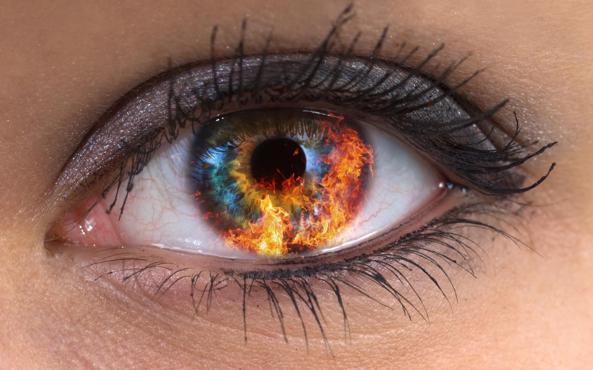 Картинки глаза с коноплей протеин конопли отзывы