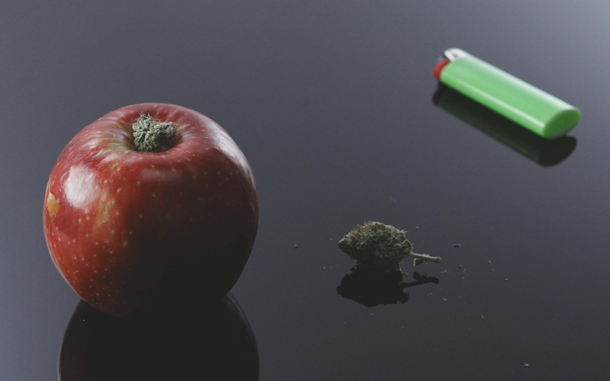 Apple Pipe Weed