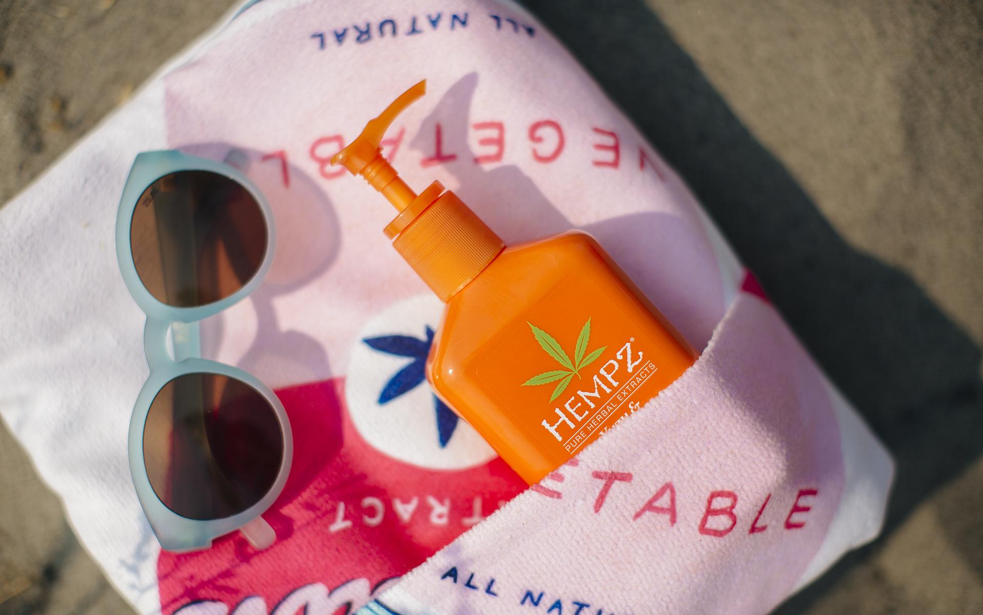 10 Ultimate Marijuana Essentials for a Summer Cannabis Beach Bag | Leafly