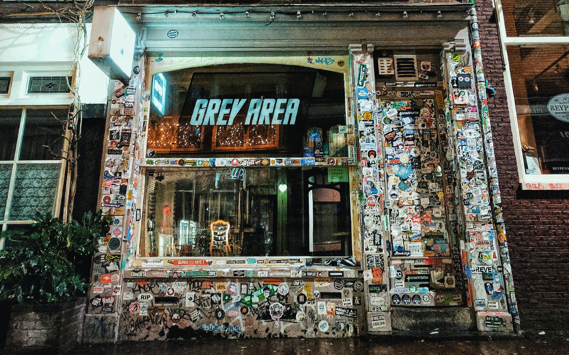 Amsterdam Cannabis Coffeeshop: Grey Area