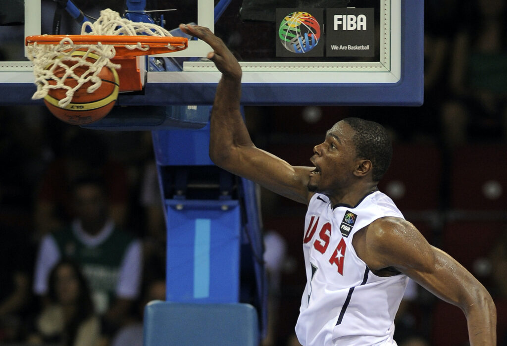 Kevin Durant dunks during the World Basketball Championship.